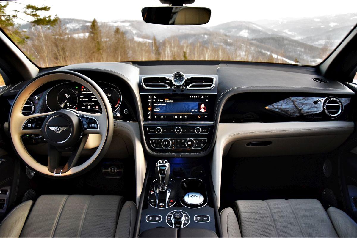 Bentley Bentayga 2021 - wnętrze