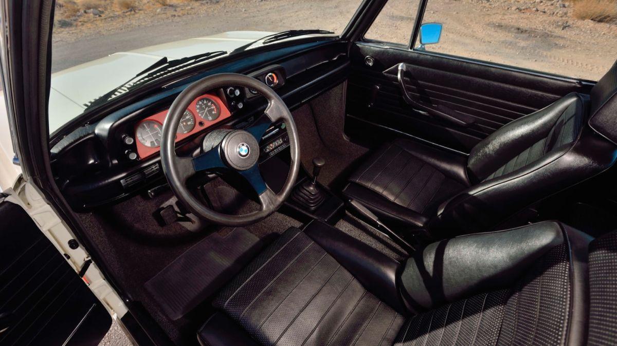 BMW 2002 Turbo wnętrze