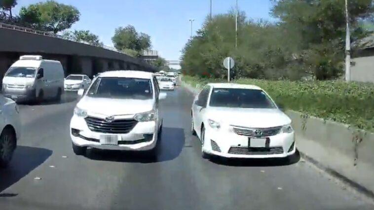 Arabska jazda na zderzaku