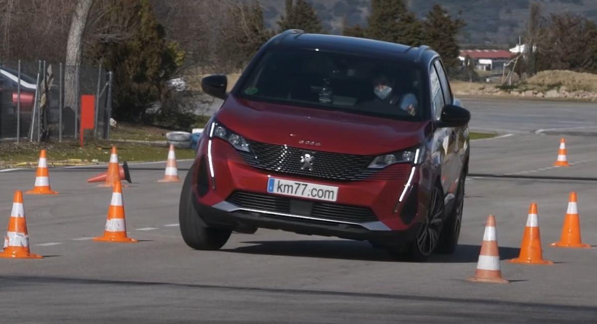 Peugeot 3008 moose test 2021