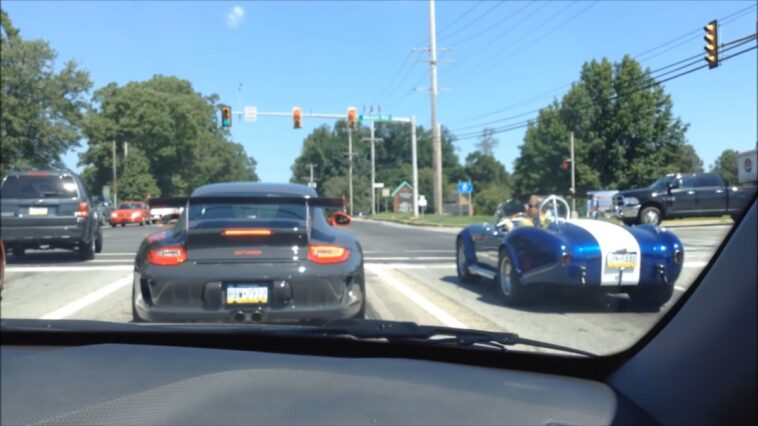 911 GT3 RS vs Shelby Cobra