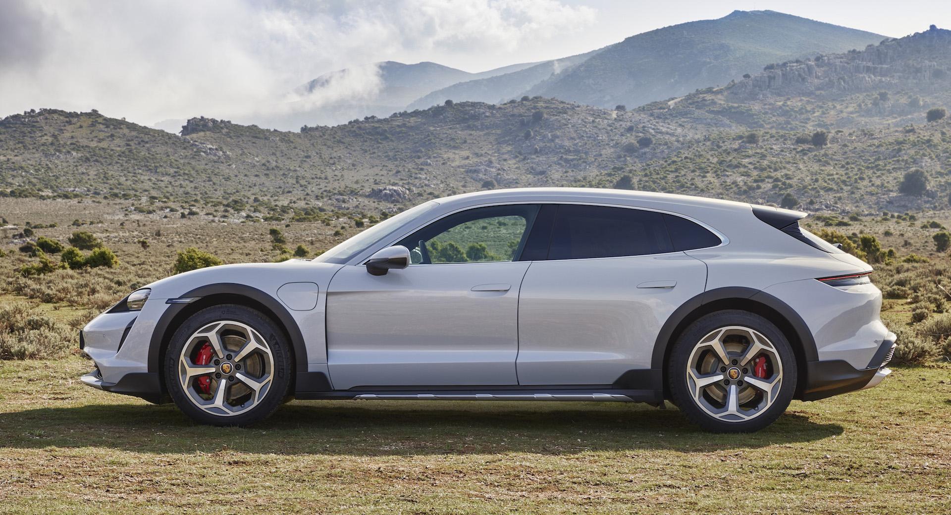Porsche Taycan Cross Turismo prześwit