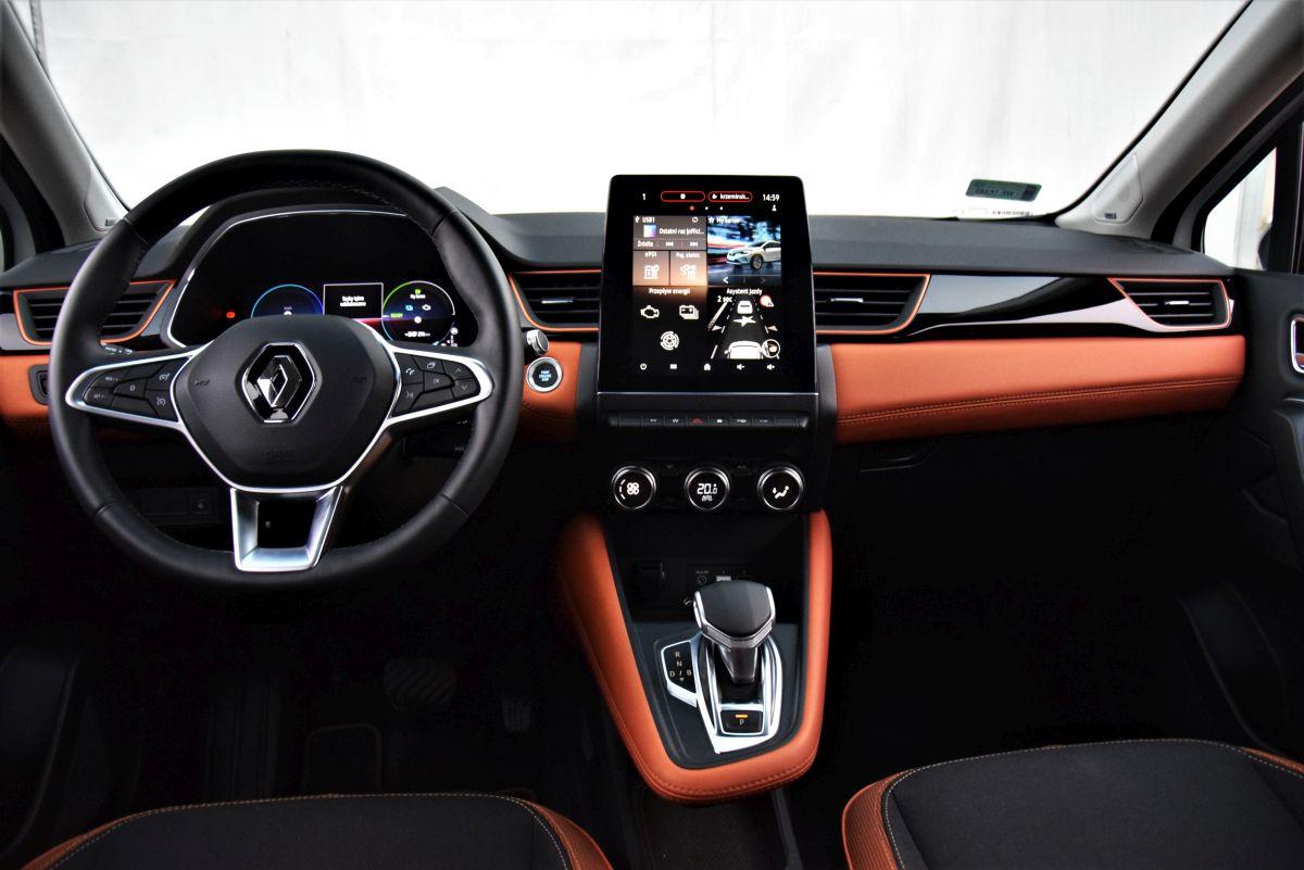 Renault Captur E-TECH interior