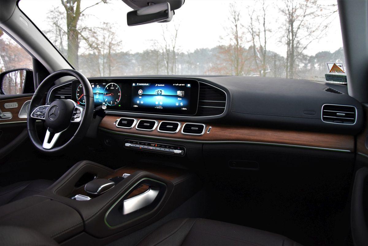 Mercedes-Benz GLE wnętrze