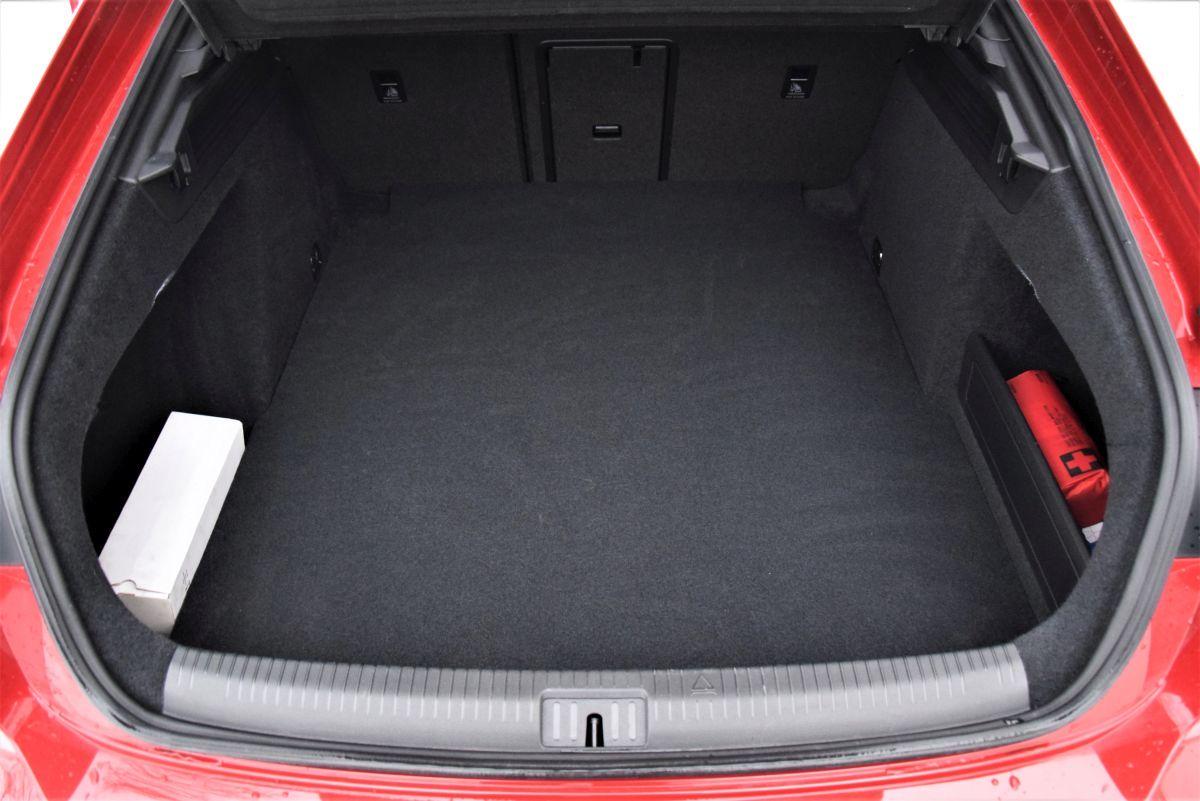 VW Arteon liftback bagażnik