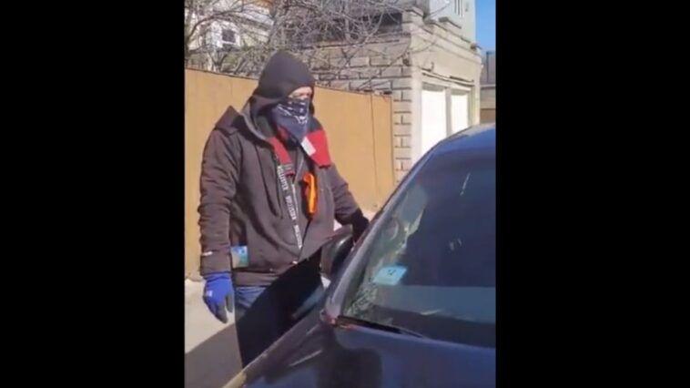 Porysował auta i został przyłapany na gorącym uczynku