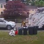Kolizja osobówki ze śmieciarką
