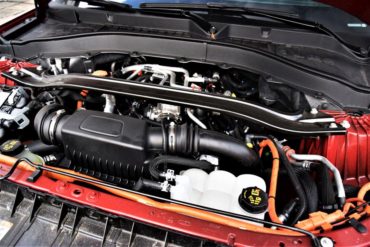 Ford Explorer Hybrid dane techniczne