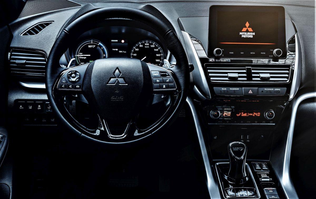 Mitsubishi Eclipse Cross PHEV interior