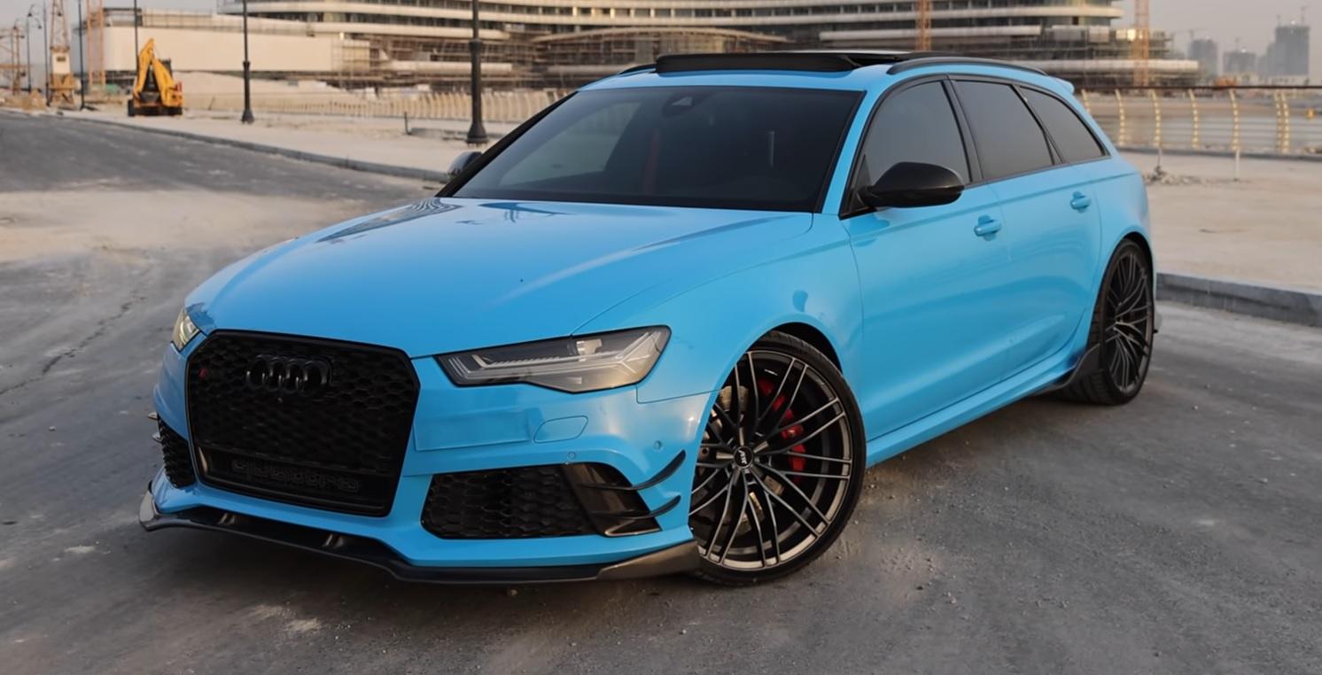 Audi RS6 wyświetlacz w kierownicy