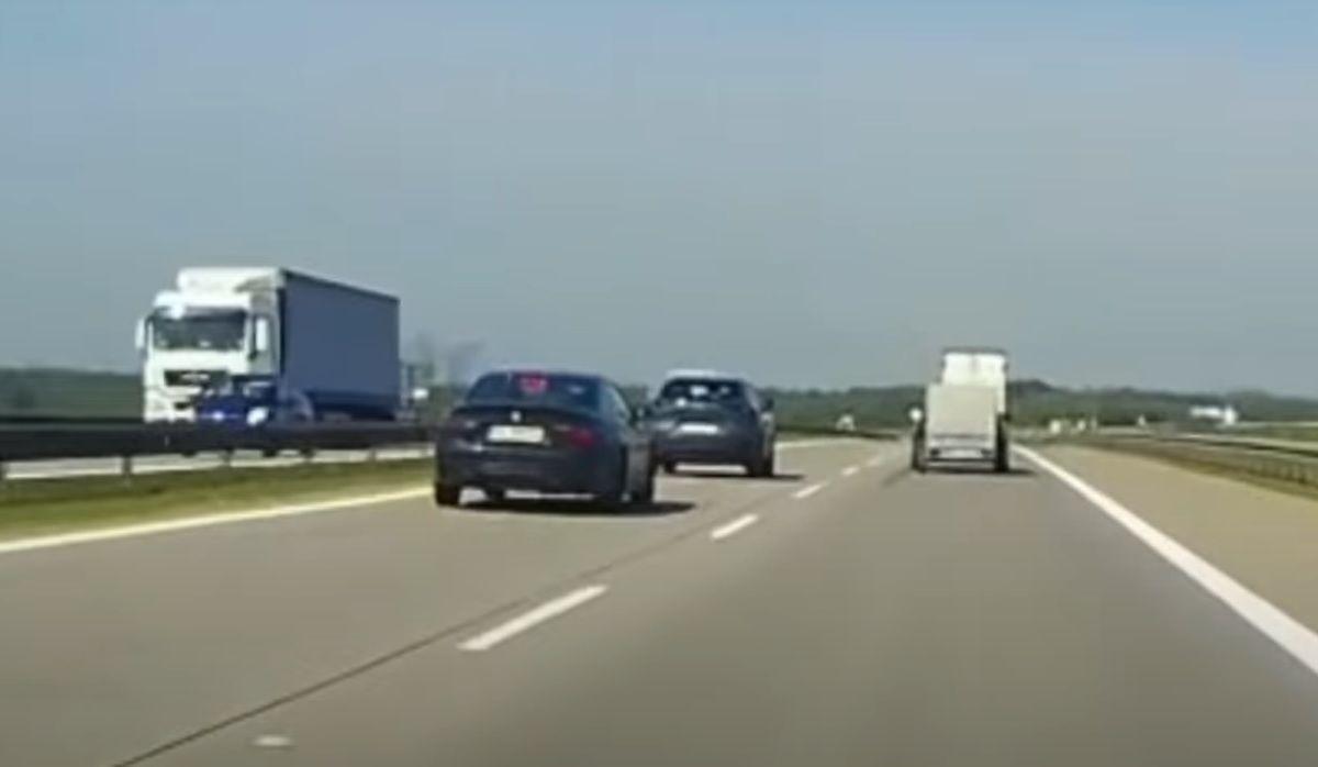 Bandycka jazda kierowcy BMW