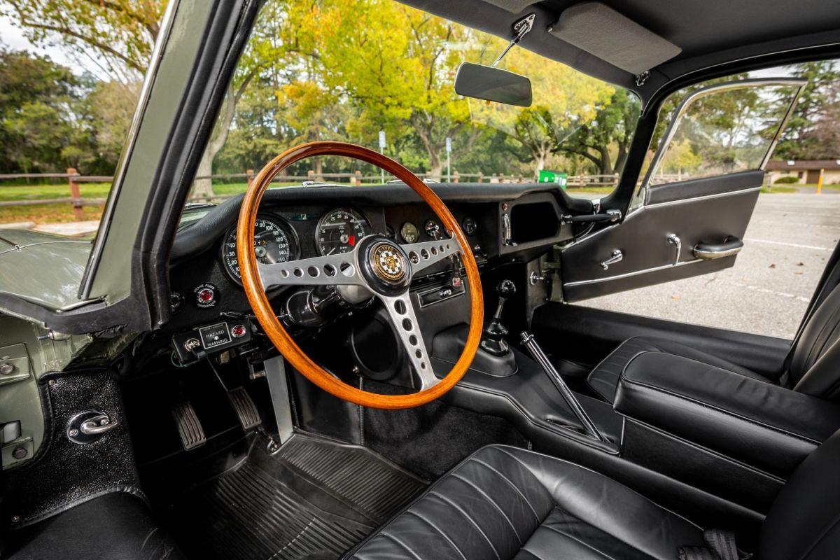 Jaguar E-Type cena