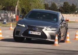 Lexus LS 500 test łosia 2021