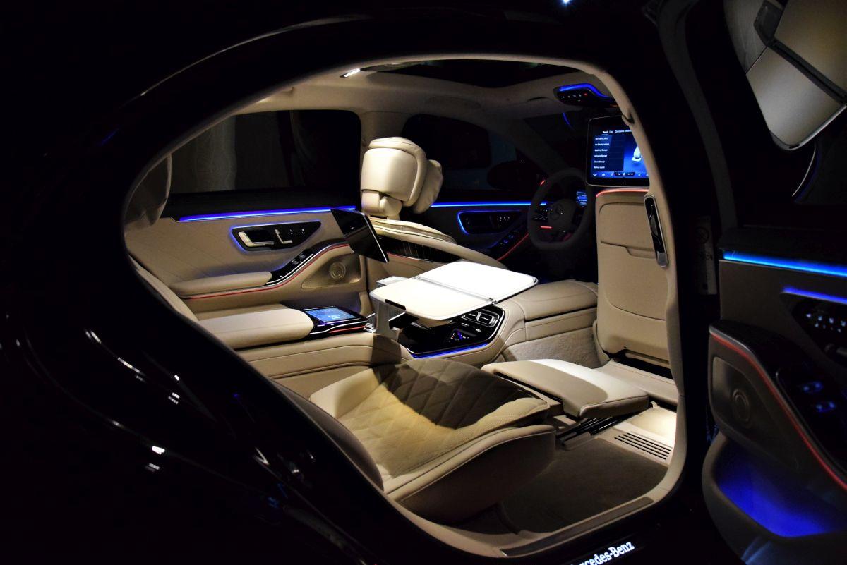Mercedes-Benz S 500 4MATIC L oświetlenie nastrojowe