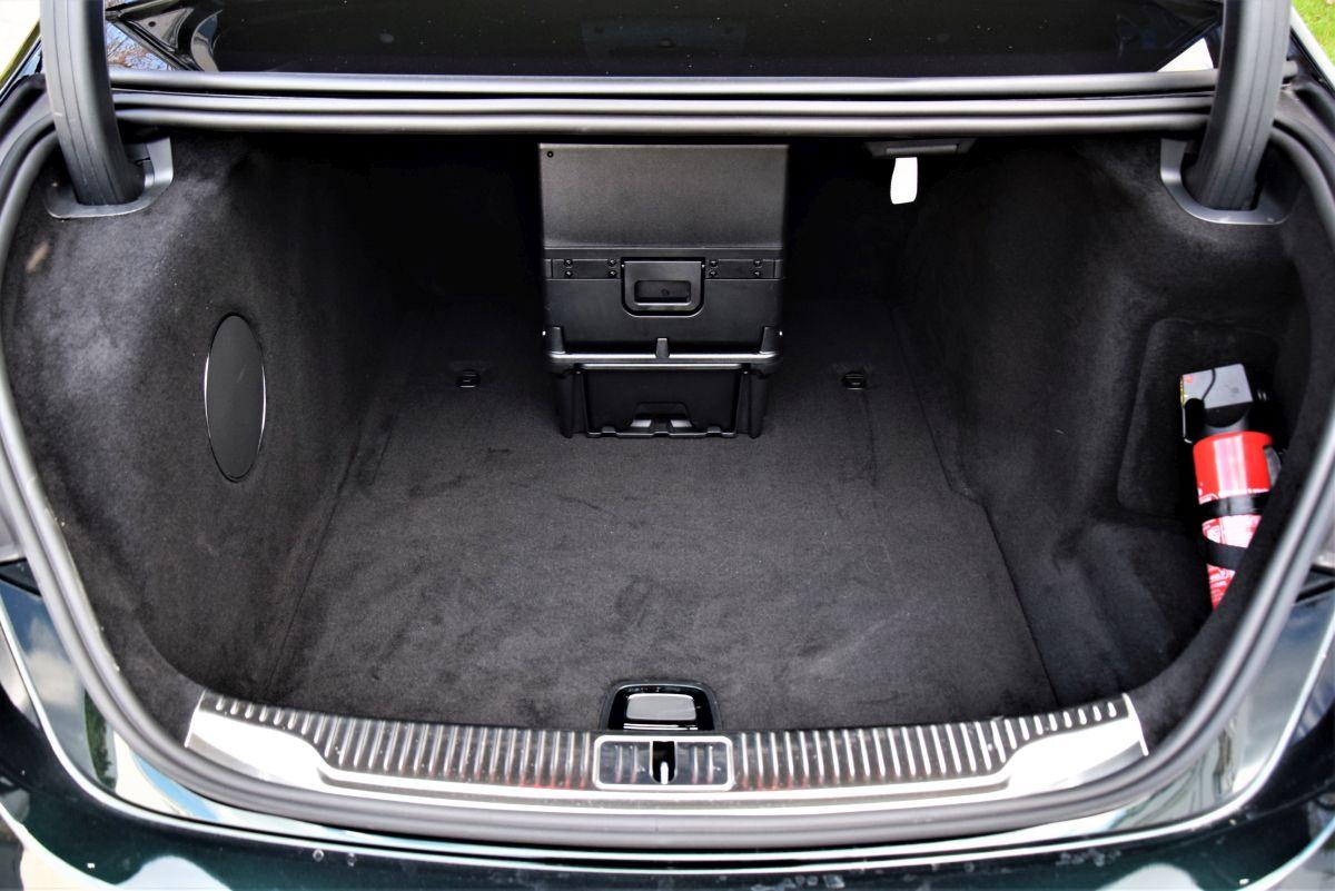 Mercedes-Benz S 500 4MATIC L bagażnik