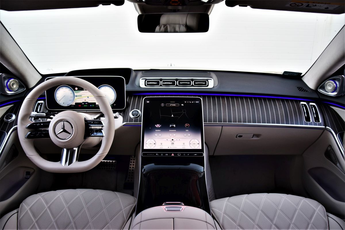 Mercedes-Benz S 500 wnętrze