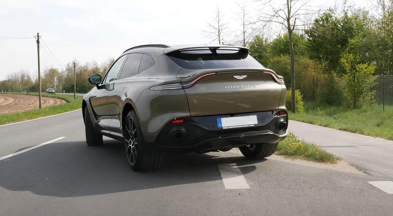 Aston Martin DBX Acceleration