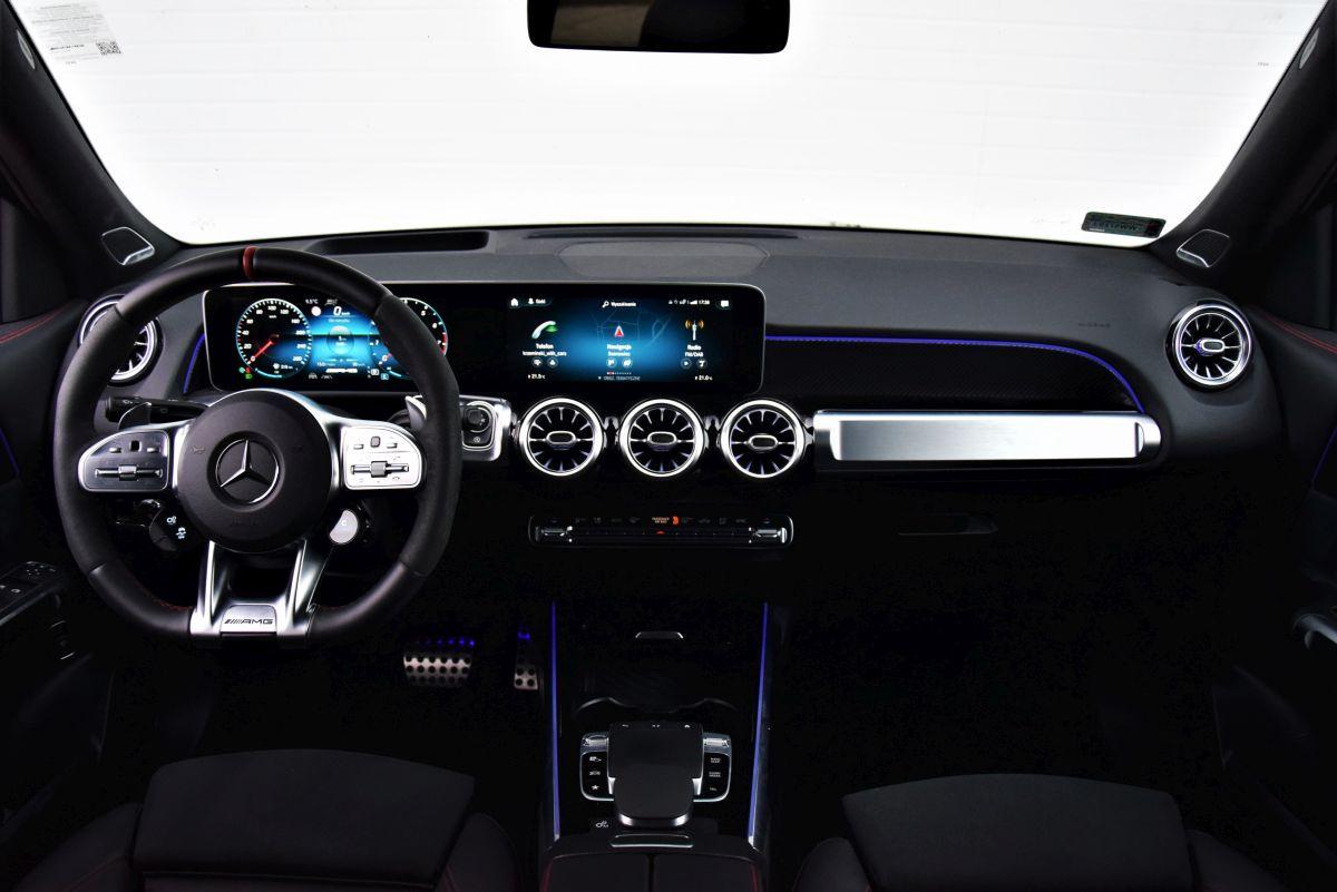 GLB AMG interior