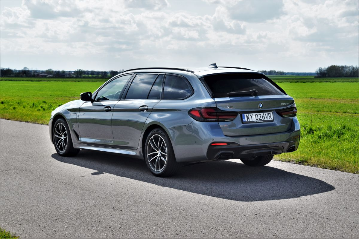 BMW Serii 5 Touring 2021 design