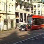 Katowice zderzenie Audi z tramwajem