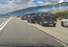 Zderzenie pick-upa z osobówką na autostradzie