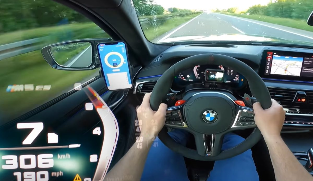 BMW M5 CS acceleration
