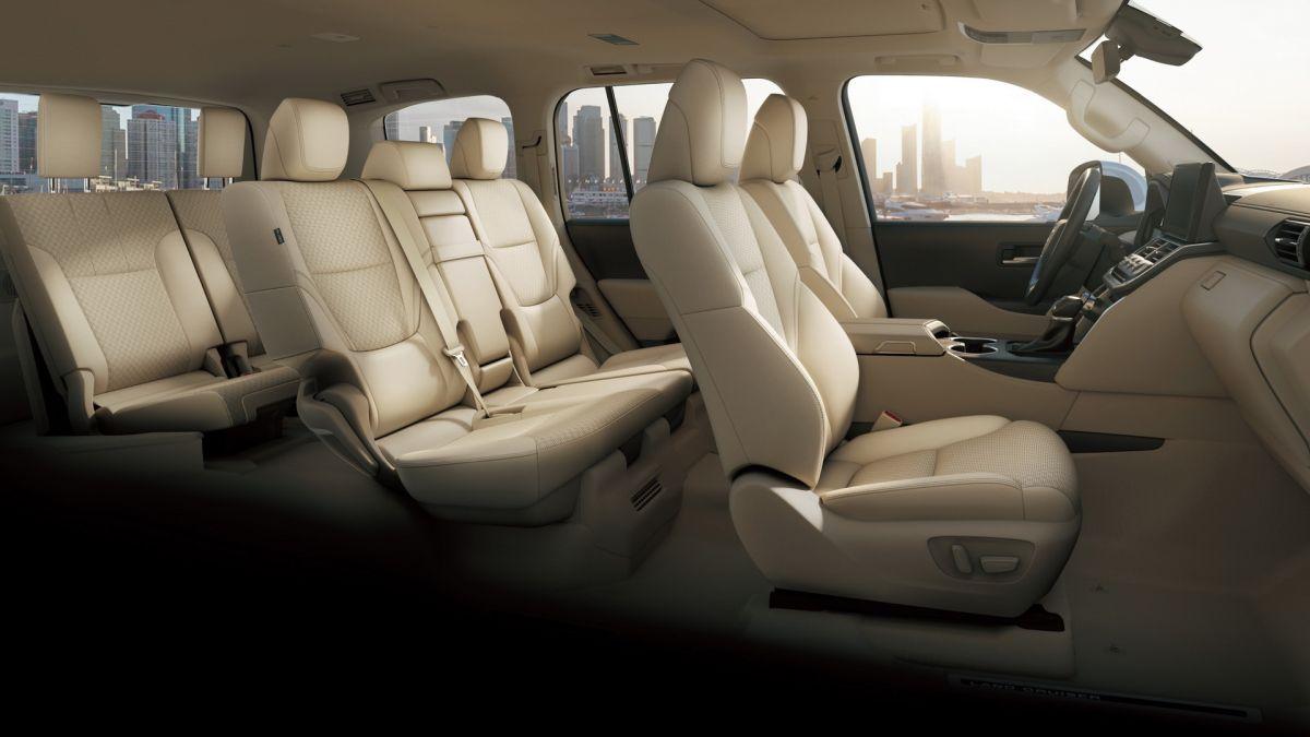 Nowa Toyota Land Cruiser kabina