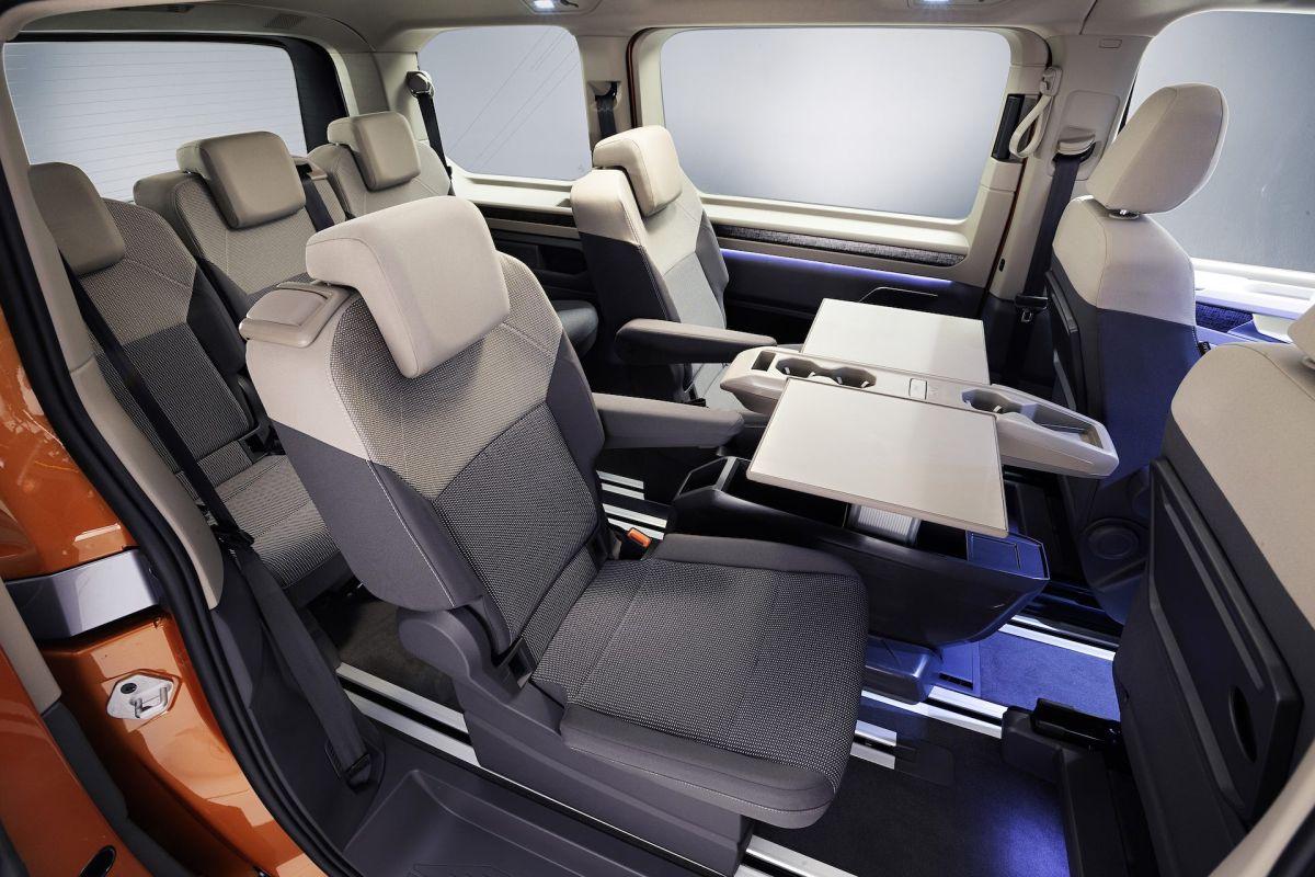 Volkswagen Multivan 2022 wnętrze