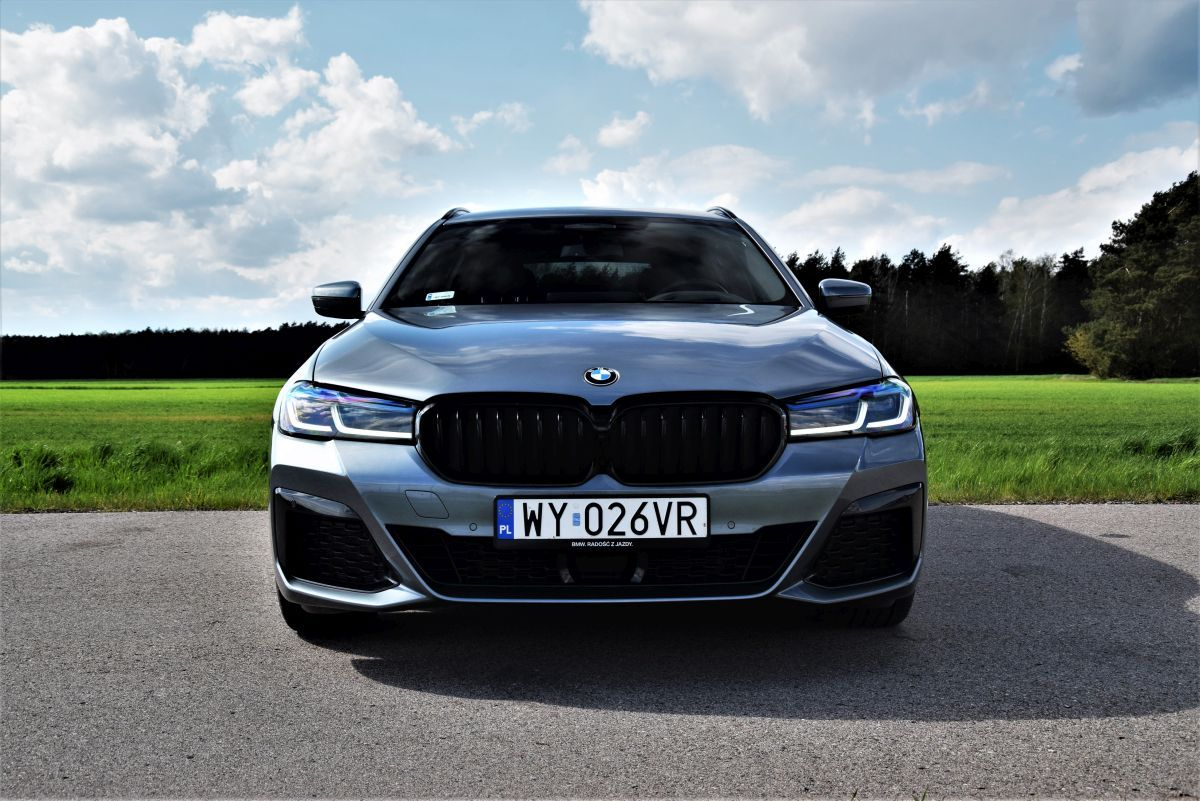 BMW 530e xDrive Touring wrażenia zjazdy