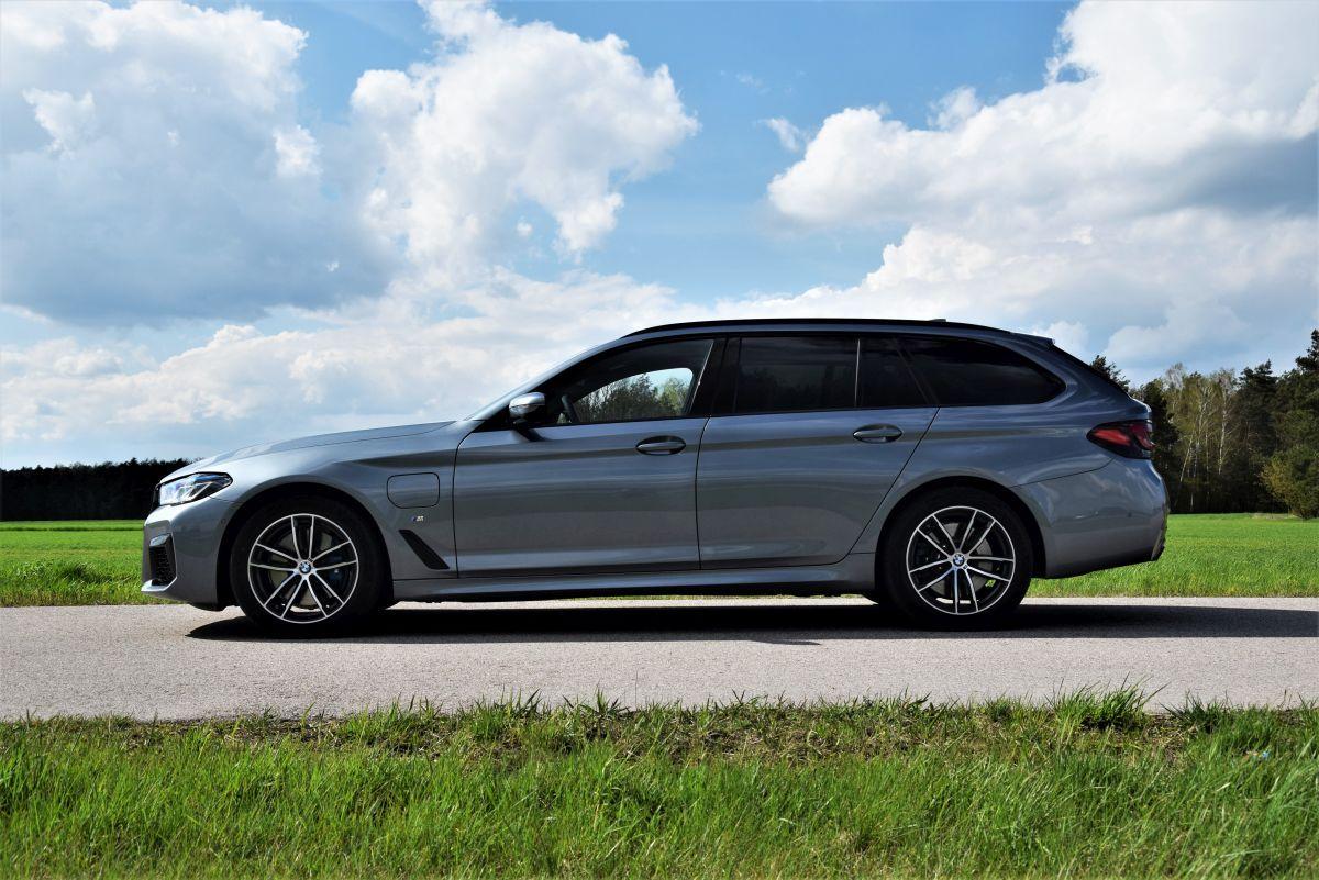 BMW 530e xDrive Touring  opinie