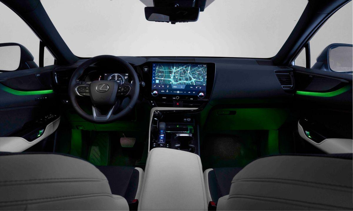 Lexus NX 2022 wnętrze