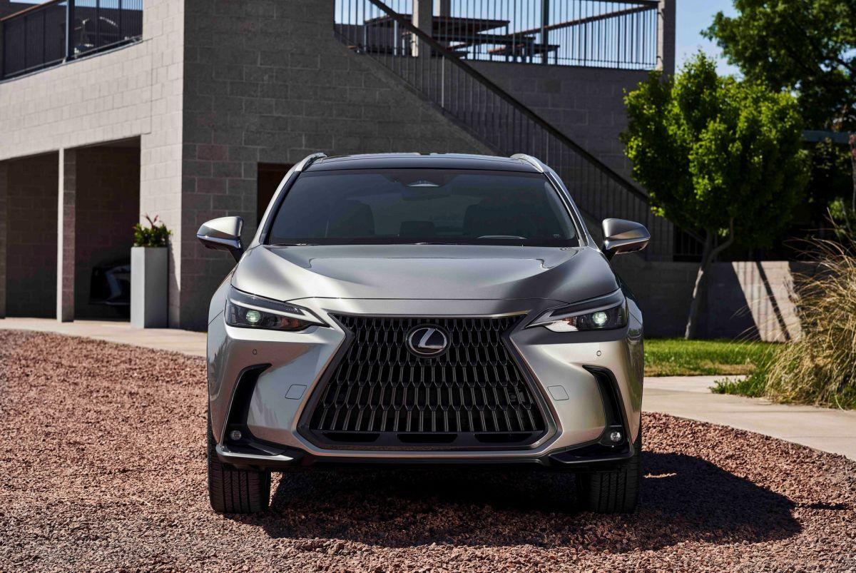 Lexus NX 2022 gama silników