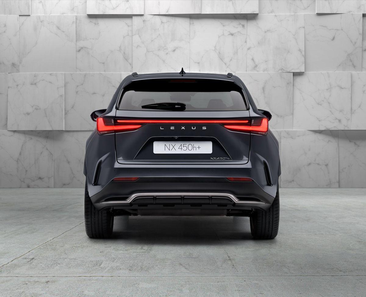 Lexus NX 450h+ 2022
