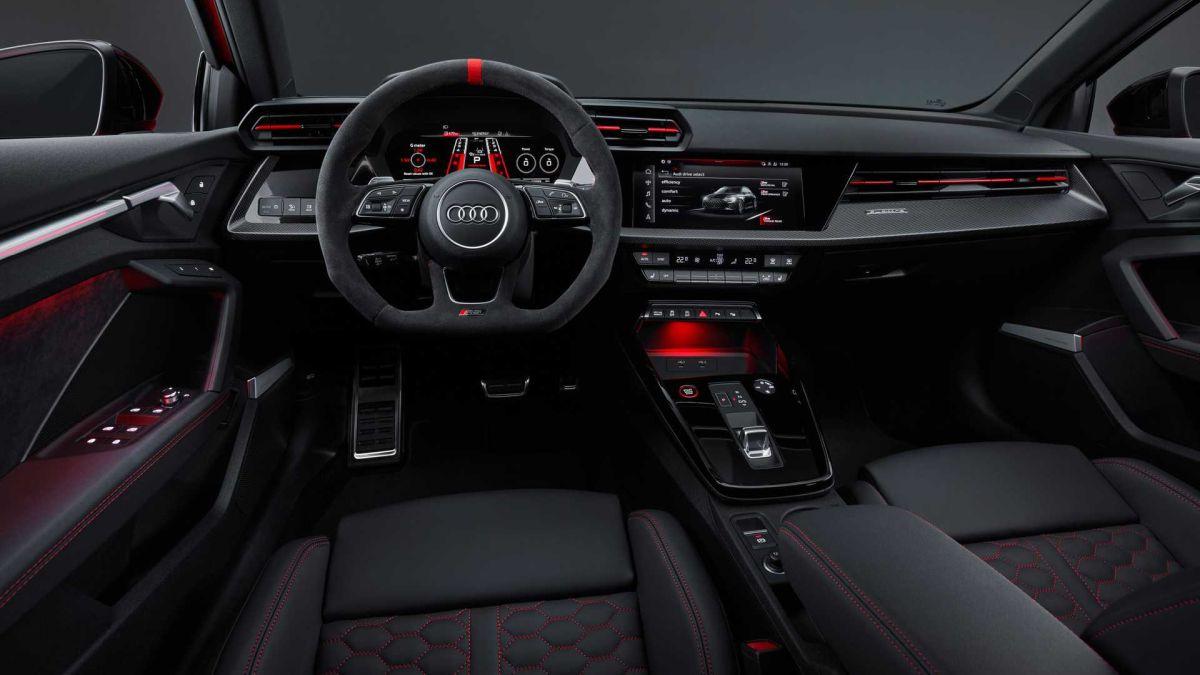 Audi RS3 2022 - wnętrze