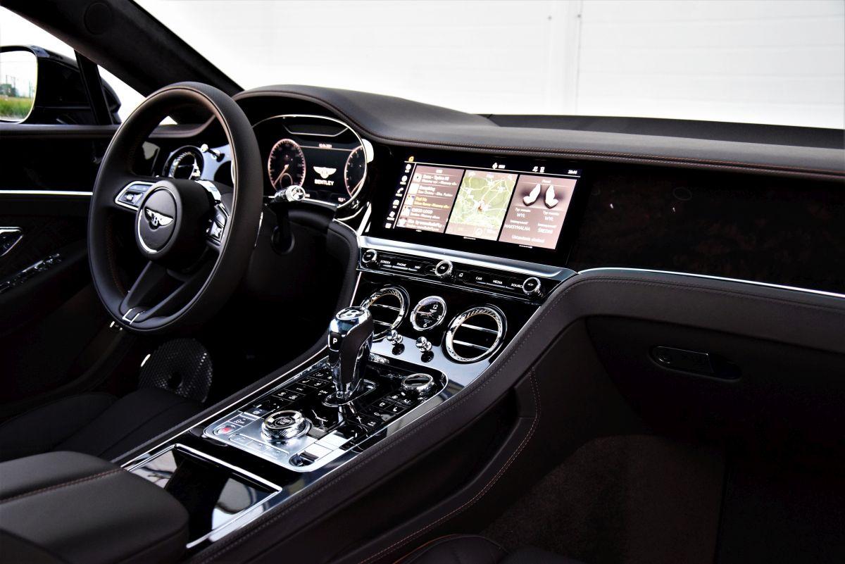 Bentley Continental GT V8 2021 - wnętrze