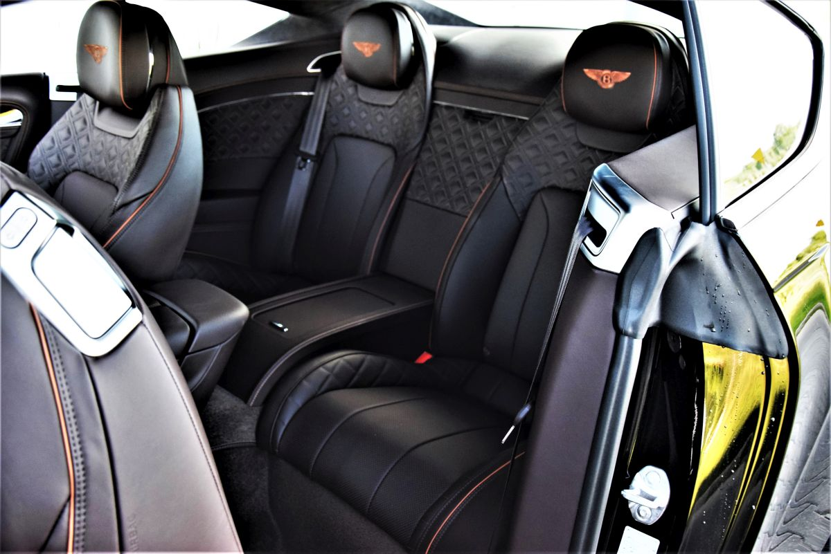 Bentley Continental Coupe - kabina