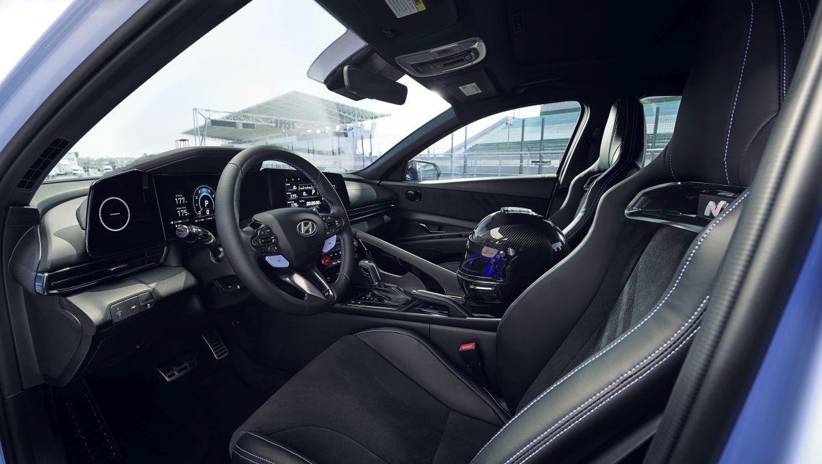 Hyundai Elantra N - wnętrze