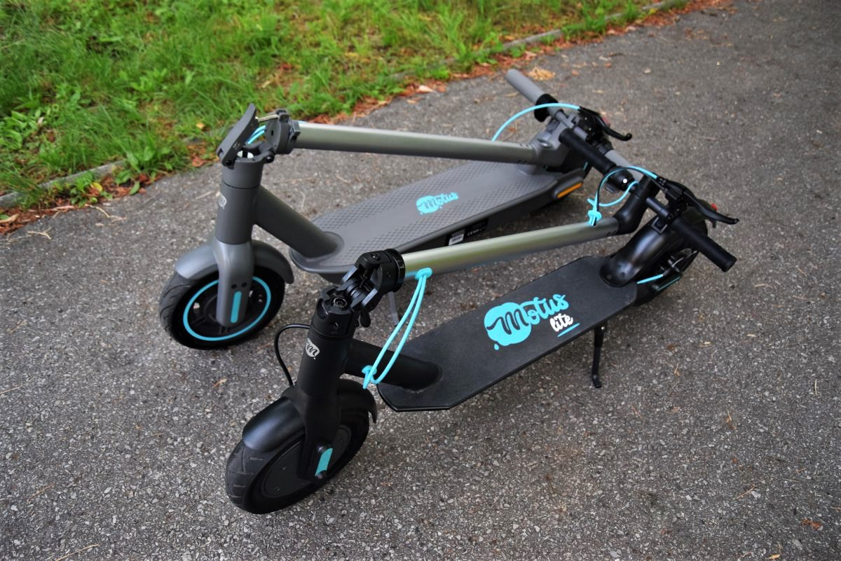 Motus Scooty 10 Lite iMotus Scooty 2021 - składanie
