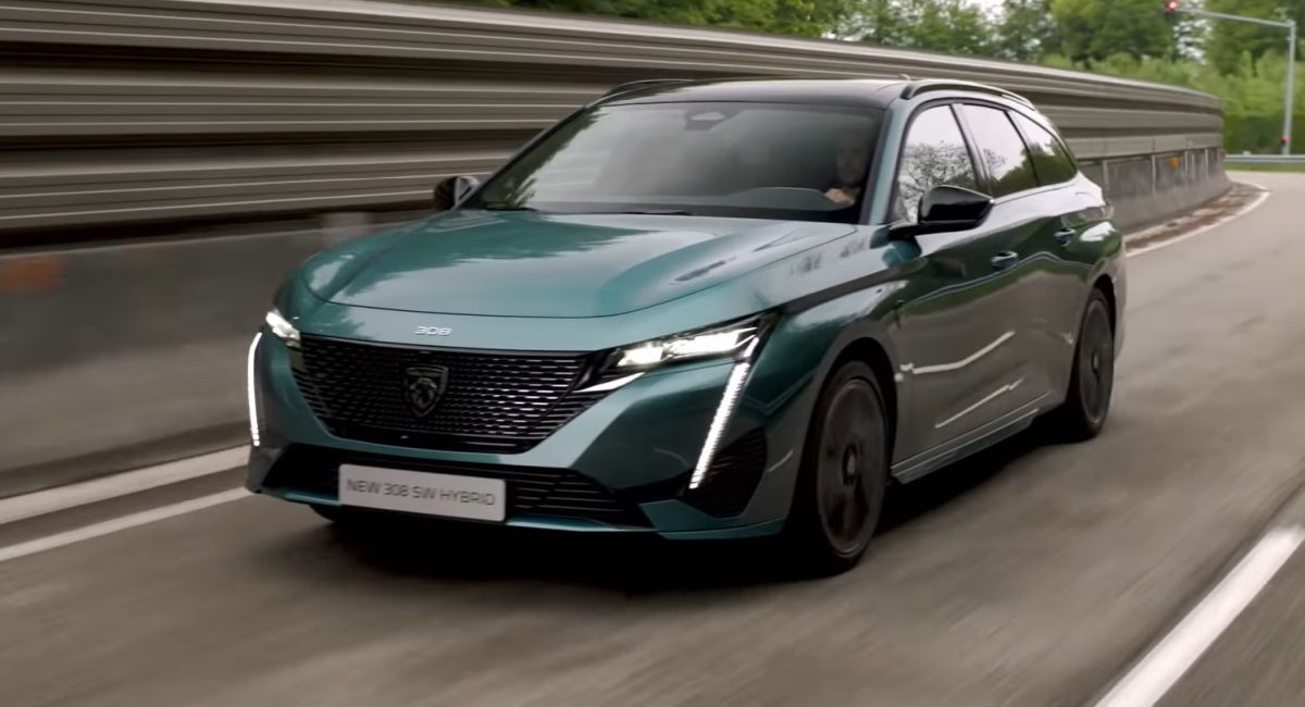 Peugeot 308 SW 2022 on the road