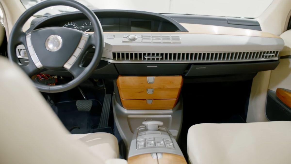 BMW ZBF-7er - wnętrze