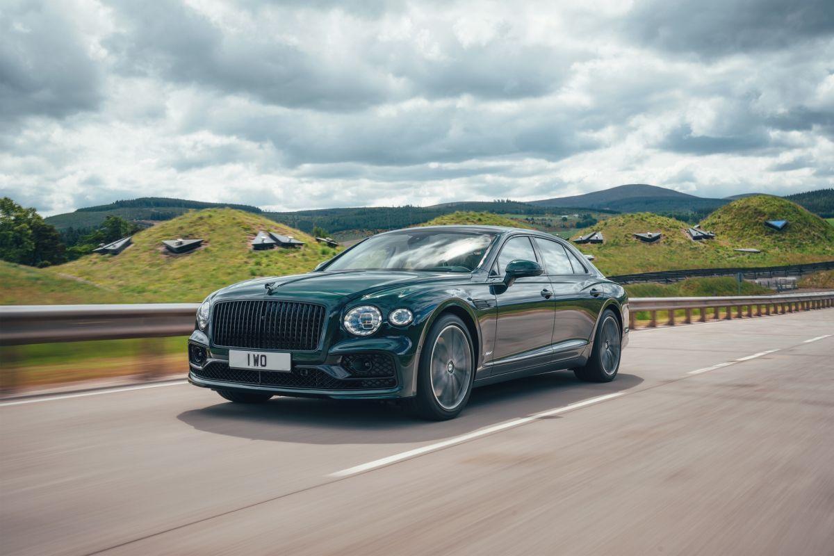Bentley Flying Spur Hybrid 2022