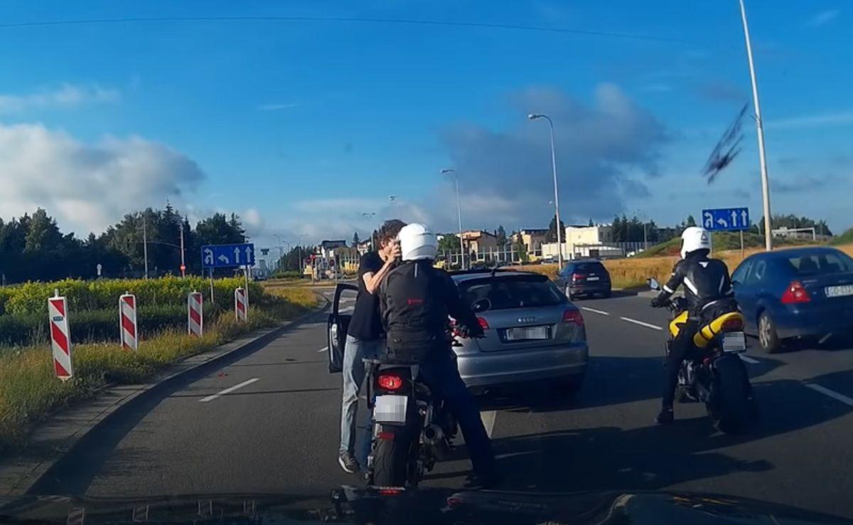 Kierowca zaatakował motocyklistę w Gdańsku