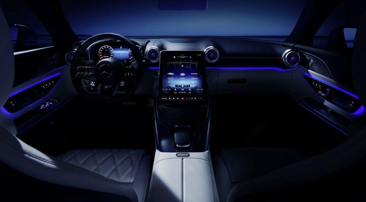 Mercedes-AMG SL 2022 oświetlenie wnętrza