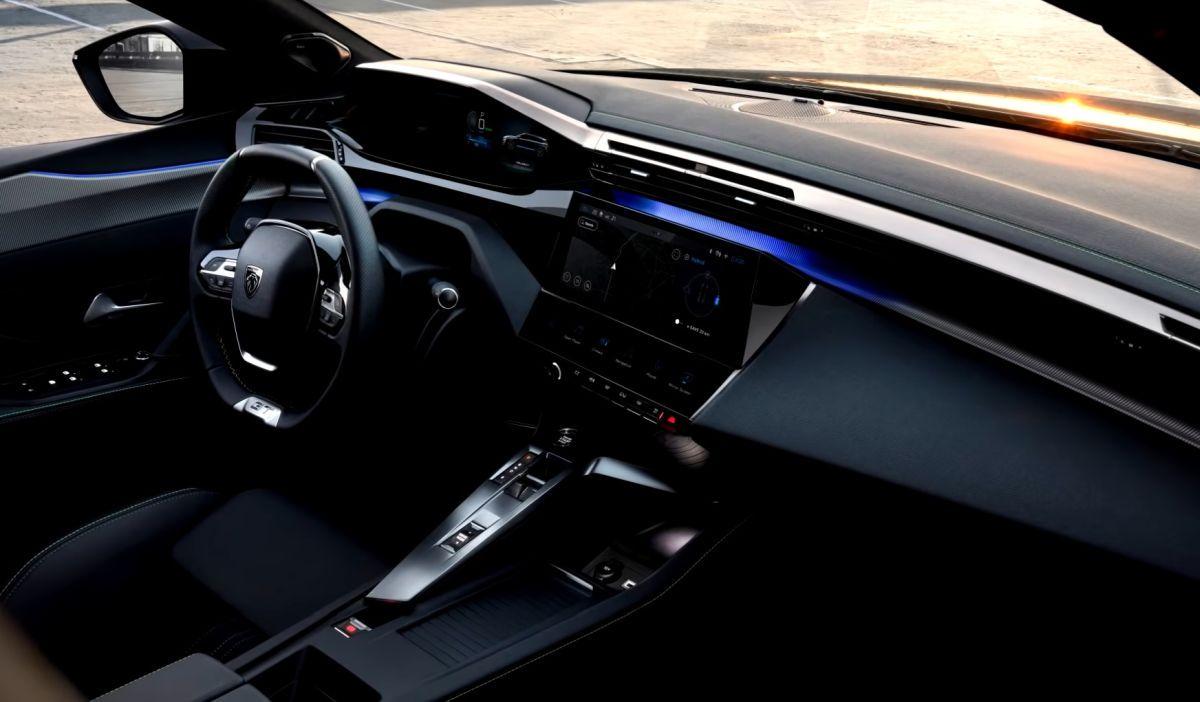 Peugeot 308 SW 2022 wnętrze