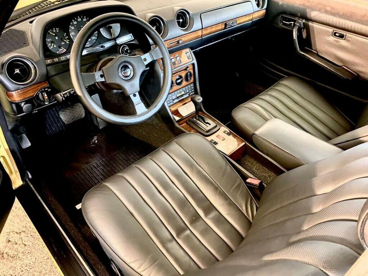 Mercedes W123 280CE Zender wnętrze