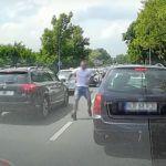 Atak kierowcy wypożyczonego auta