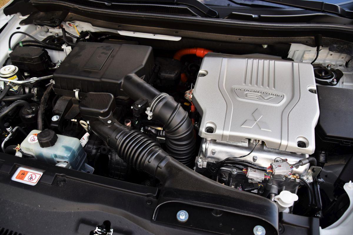 Mitsubishi Eclipse Cross PHEV - silnik