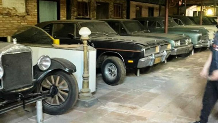 Ukryta kolekcja samochodów