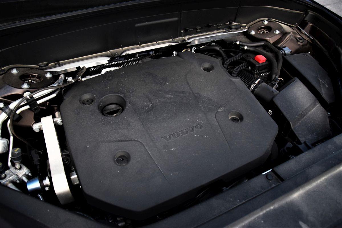 Volvo XC90 B5 Diesel - moc