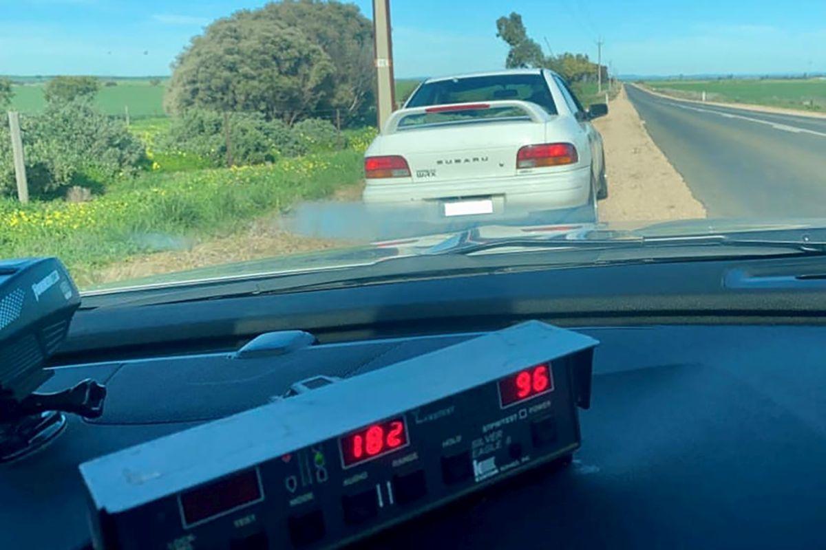 Starszy mężczyzna jechał 180 km/h swoim Subaru